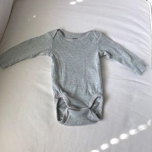 H&M onesie 1-2 months
